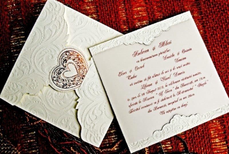 Ati decis sa va casatoriti? Organizati-va nunta pe etape - de la alegerea invitatiilor pana la alegerea vestimentatiei, a restaurantului si a bisericii!